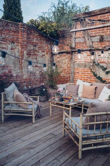 Eclairer son jardin et sa terrasse avec une guirlande guinguette // La terrasse de ourfoodstories