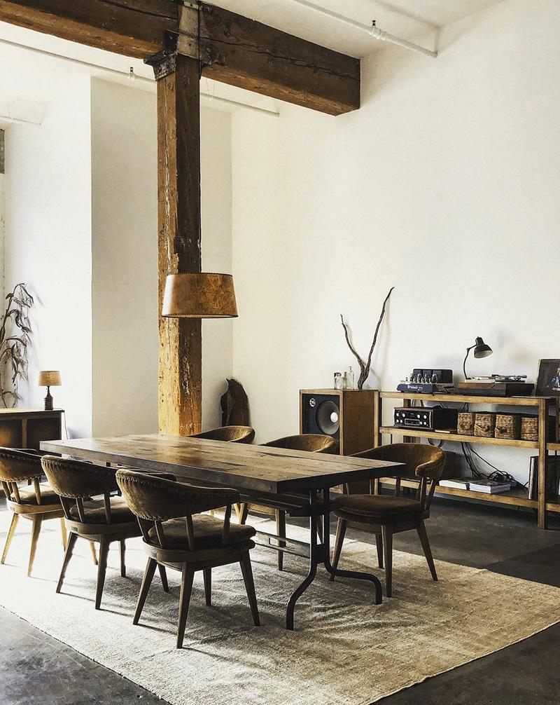 Ambiance loft industriel pour le nouveau  showroom TRUCK Furniture à Los Angeles