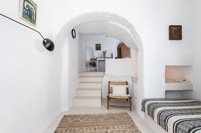 Une maison à Tinos par Bobotis architects // Un style épuré