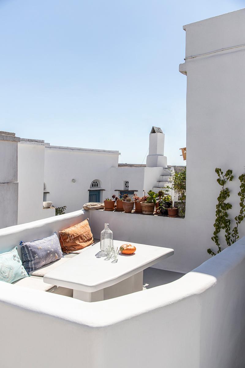 Une maison à Tinos par Bobotis architects // Terrasse