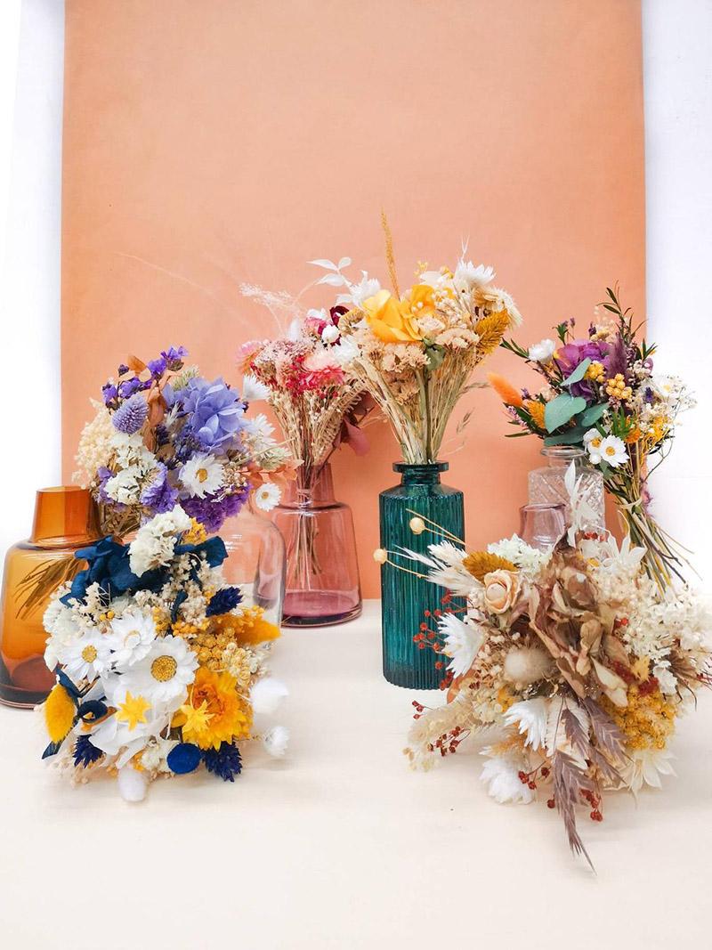 Petit bouquet de fleurs séchées et soliflore en verre sur la boutique Etsy Hailane