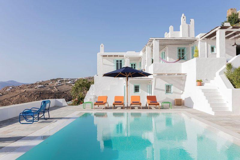 [ Décors des îles grecques ] Hôtel Papyrella à Mykonos // Piscine face à la mer