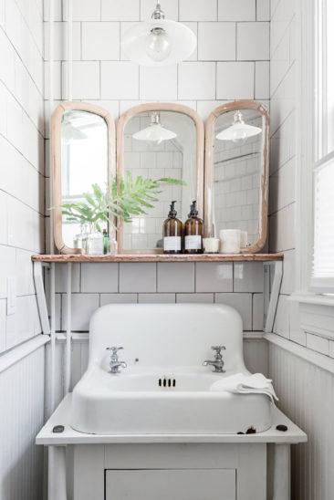 This Old Hudson, un style shabby chic épuré // Salle de bains antique