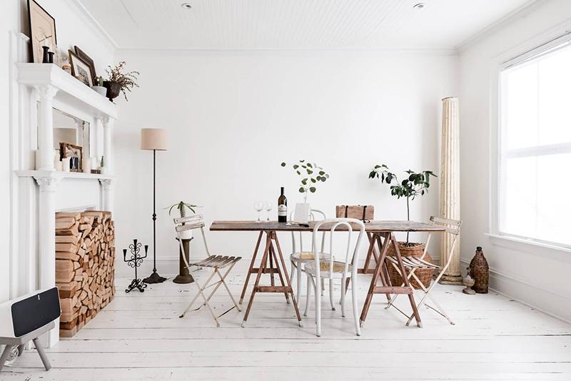 This Old Hudson, un style shabby chic épuré // Salle à manger minimaliste blanche