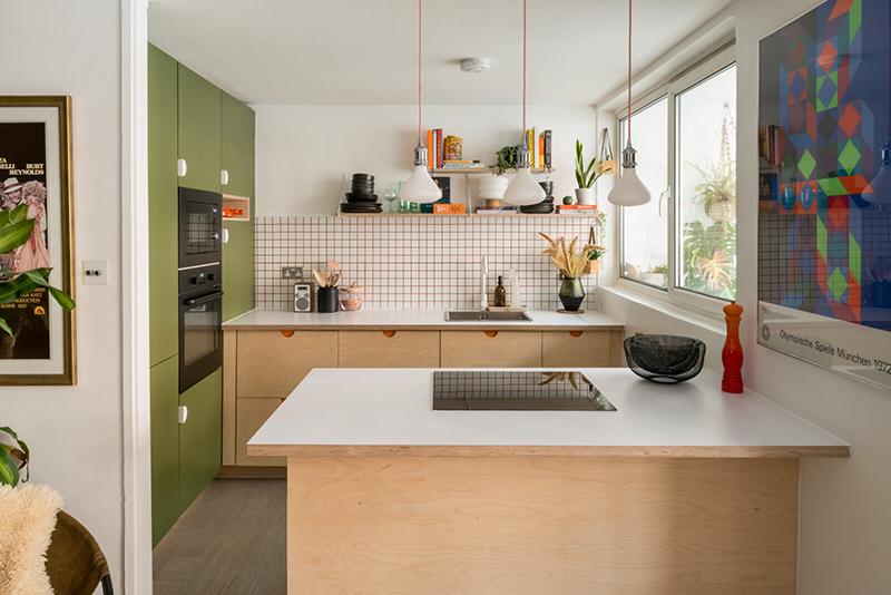 Cuisine ouverte au look moderniste