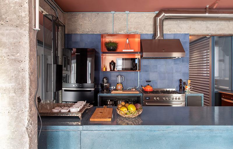 Cuisine d'esprit industriel - RF Apartement à à São Paulo par le studio Super Limão