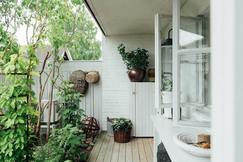 Une maison parfaitement lagom en Suède // Côté jardin
