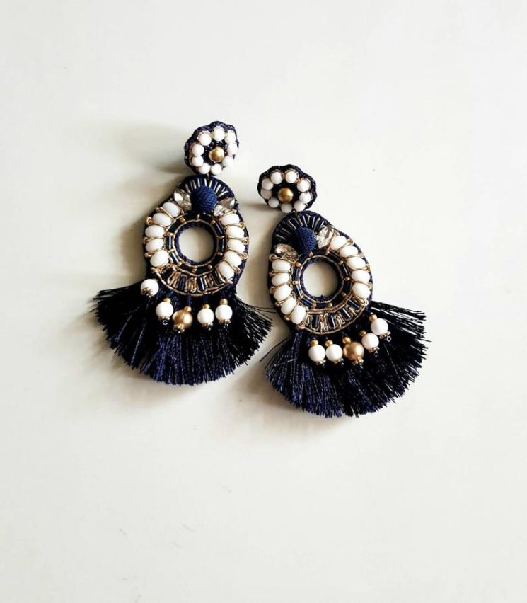 Boucles d'oreilles indiennes surdimensionnées, sur la boutique Carnation Jewellery