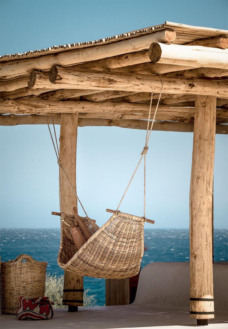 """L'hôtel Scorpios à Mykonos, ambiance """"wabi sabi ethnique"""" // Farniente face à la mer"""