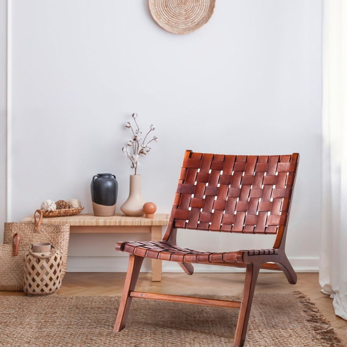 Fauteuil en cuir tressé et teck, Makasar - Kha Home design
